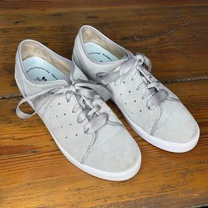 Vionic KeKe Light Grey Sneaker 9.5
